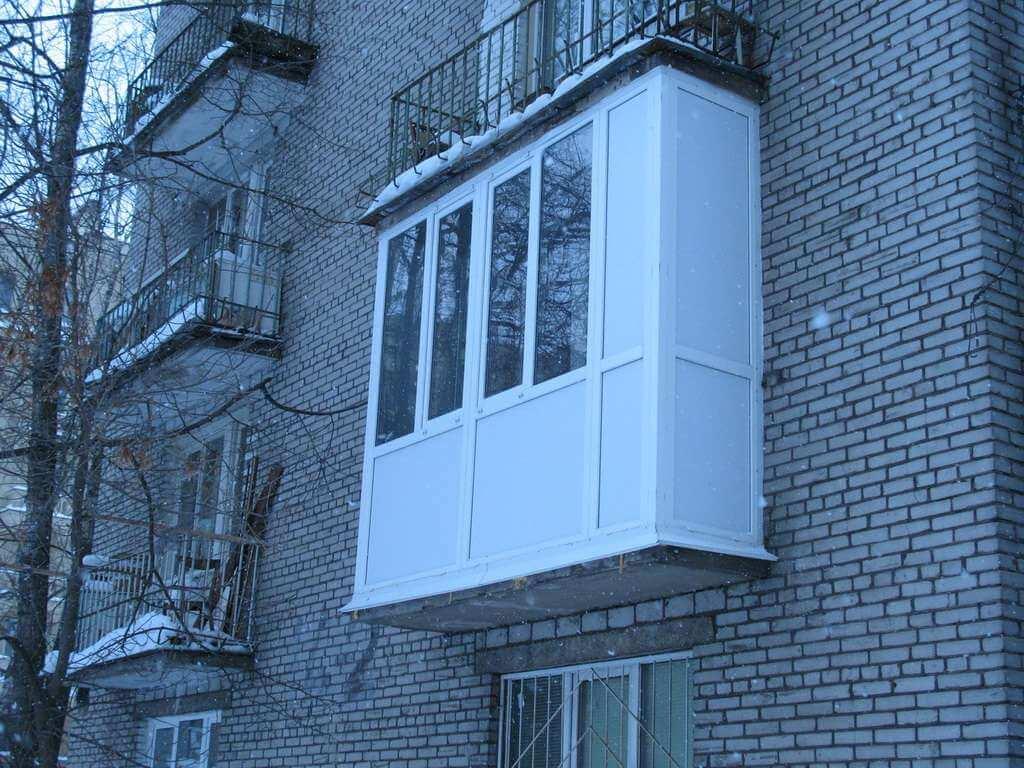 Окна остекление балконов.